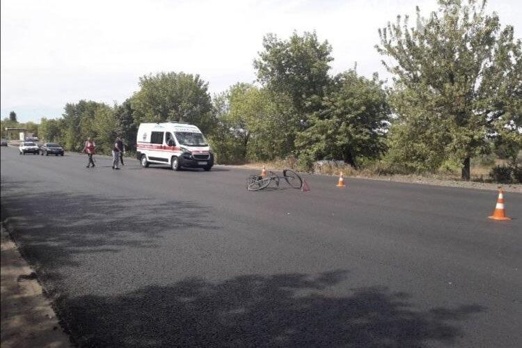 На автодороге Покровск — Мирноград произошло смертельное ДТП: скорая сбила велосипедиста